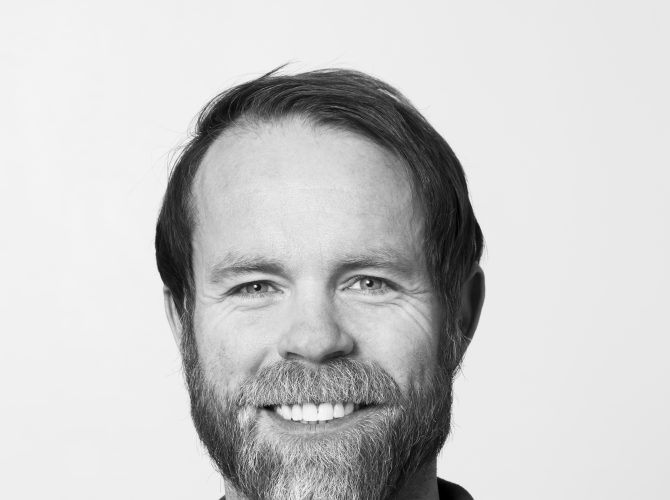 Dr. Lars Eftang